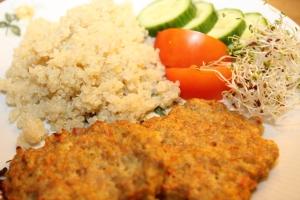 Kyllingburger og quinoa